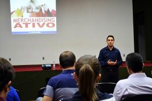 José Ivan Maia falou com o público sobre Merchandising Ativo. (Foto: Juliano Beppler da Silva / Giro do Vale)