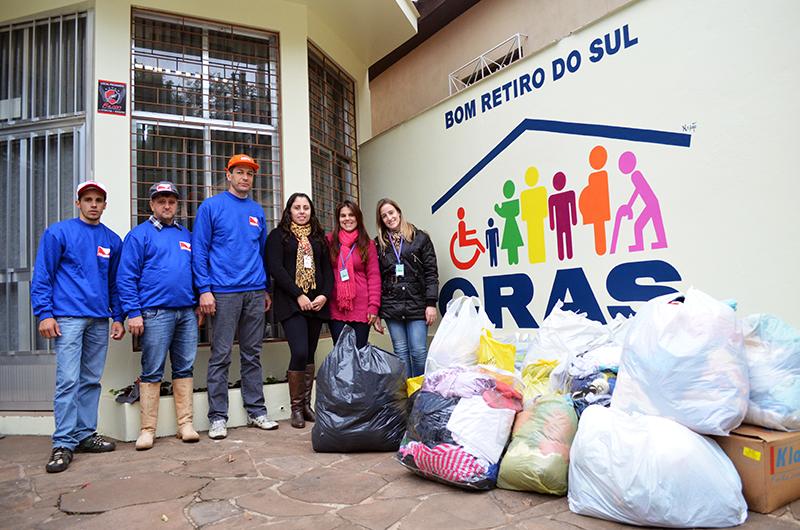 Companhia Minuano de Alimentos arrecadou 30 sacolas de doações entre os colaboradores da unidade de Bom Retiro do Sul.(Foto: Juliano Beppler da Silva / Giro do Vale)