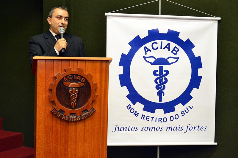Roberto Carlos de Quadros será o presidente da ACIAB pelos próximos dois anos. (Foto: Lucas Santos / Giro do Vale)