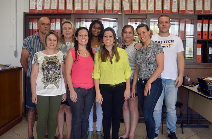 A equipe da Secretaria da Educação e Cultura é formada por nove profissionais. (Foto: Lautenir Azevedo Junior / Divulgação)