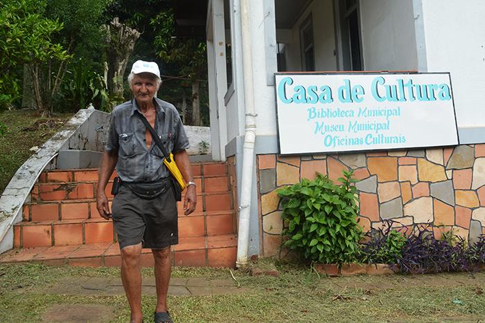 João Manoel deixou junto com os livros, na Biblioteca Municipal, o apreço pelo município no qual ele fez uma passagem por quase dois anos. (Foto: Lautenir Azevedo Junior / Divulgação