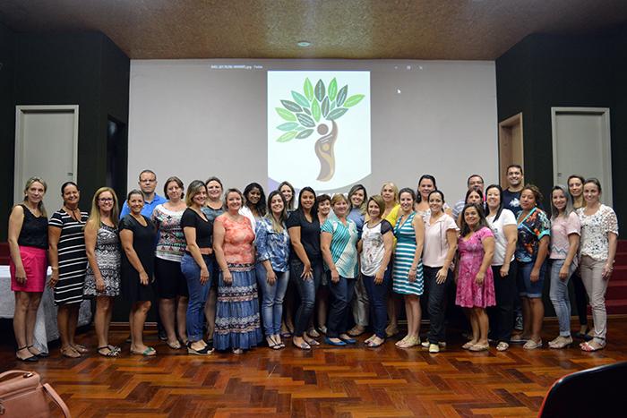 Equipe da SMEC juntamente com os diretores de todas os educandários do Município. (Foto: Lautenir Azevedo Junior / Divulgação)