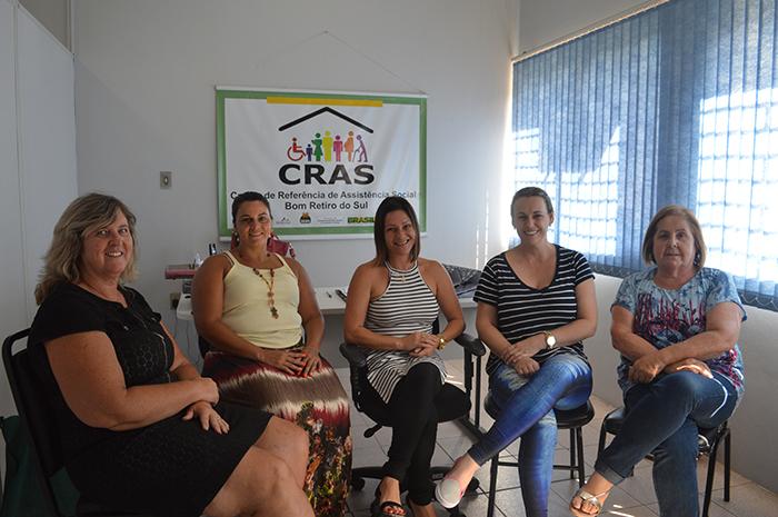 Regina Mallmann (e), Beatriz Ciceri, Andrea Genaro, Joice Locatelli e Denise Kerber (d). (Foto: Lautenir Azevedo Junior / Divulgação)