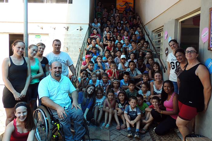 A Escola Genny de Souza da Silva foi uma das cinco Escolas Municipais de Ensino Fundamental que receberam a visita do vice-prefeito e da secretária de Educação. (Foto: Lautenir Azevedo Junior / Divulgação)