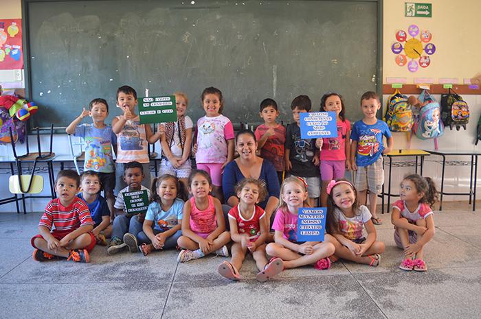 Professora Meiriane adotou, logo de início, o projeto da direção. (Foto: Lautenir Azevedo Junior / Divulgação)