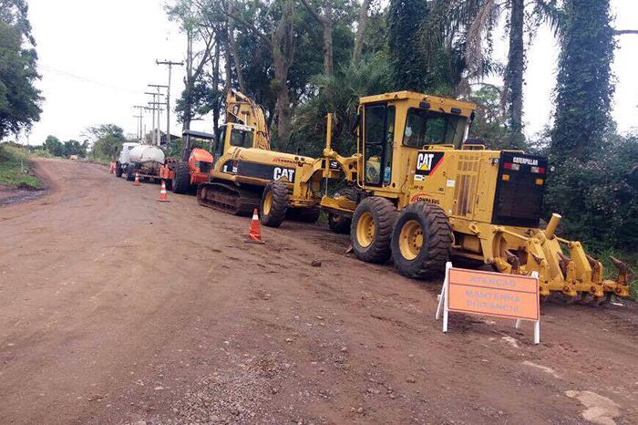 Máquinas já estão na pista para asfaltamento do primeiro trecho. (Foto Divulgação / Conpasul)