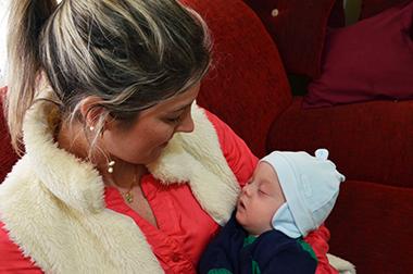 Djeise e o filho Antônio. (Foto: Juliano Beppler / Giro do Vale)
