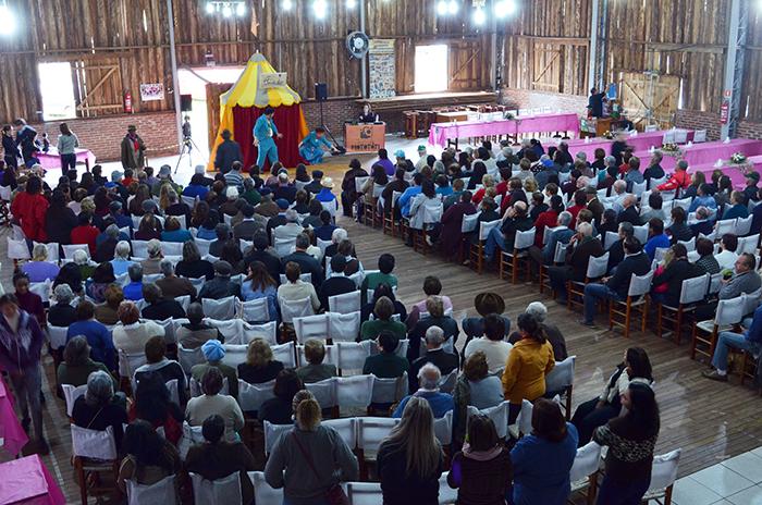 Público compareceu em grande número para mais uma edição do Chá da Vovó e do Vovô. (Foto: Juliano Beppler / Giro do Vale)